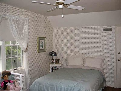 Small Bedroom Design for Teenage Girl