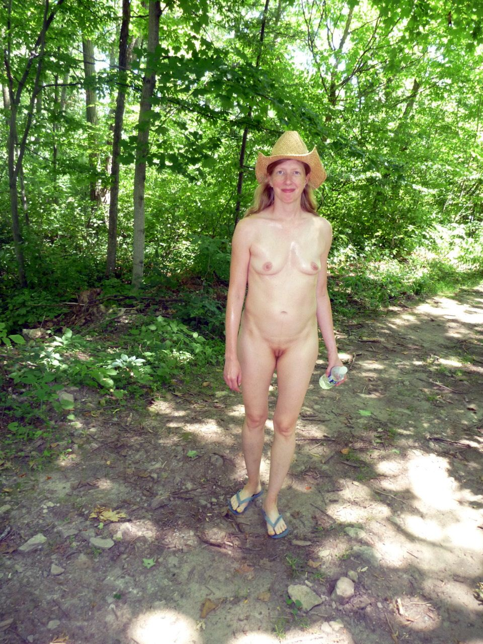 nudist women photo of the day 01 08 12   good naked
