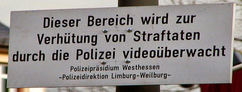 Latschariplatz Blog Nr. 04 > HUMOR