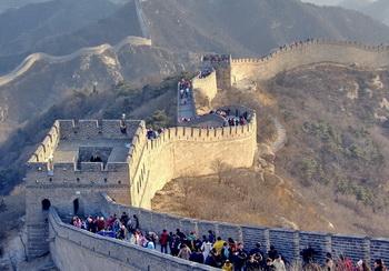 Tembok besar cina Tempat Wisata terkenal di dunia