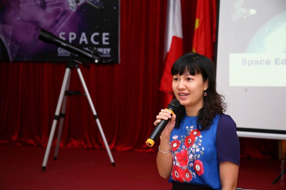 TS. Nguyễn Thị Hoàng Anh (VNSC) đang phát biểu tại chương trình. Ảnh: Đỗ Sơn Tùng (USTH).