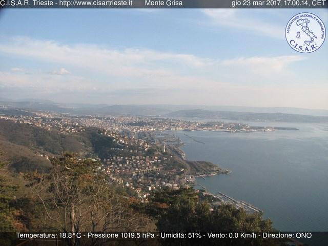 Golfo di Trieste e citta da Monte Grisa - Tempio Mariano