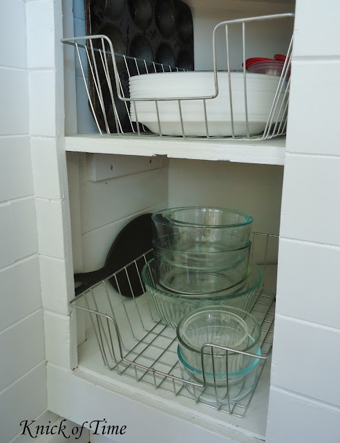 Repurposed wire baskets in farmhouse kitchen - www.KnickofTime.net
