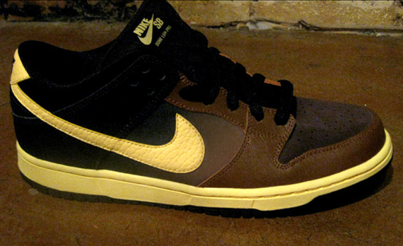 musicdancelovers: Sneakers: Nike SB Dunk Low 'Black and Tan'