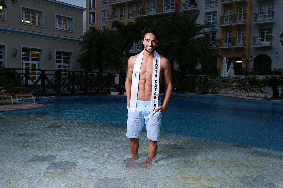 Mister Santa Catarina - Allan Lanfredi, 23 anos, 1,87 m - Foto: Leonardo Rodrigues