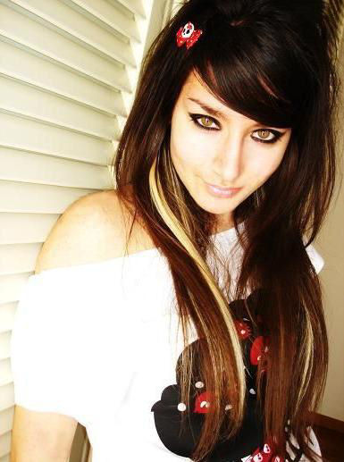 http://4.bp.blogspot.com/-actc13q5ndU/Tb50NEyT18I/AAAAAAAAAOA/ETlmPwXAQ50/s1600/emo-hair-cuts-for-girls.jpg