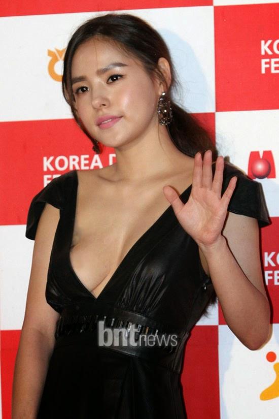 Min Hyo Rin (민효린) - 2010 Korea Drama Festival red carpet opening ceremony on 02 October 2010 at Gyeongnam Art Center