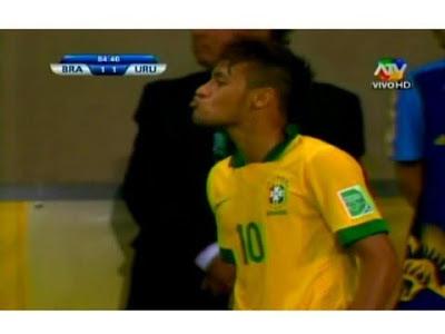 neymar baci gonzalez uruguay brasile confederations cup