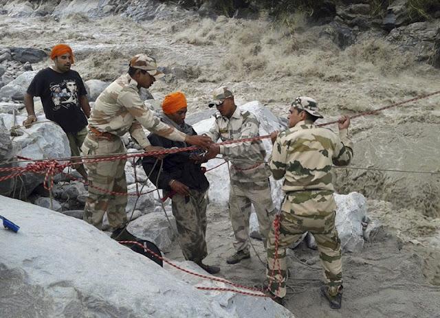 வெள்ள நிவாரணப் பணிகள்-கேதர்நாத்..படங்கள் இணைப்பு Floods.+Rescue+19.