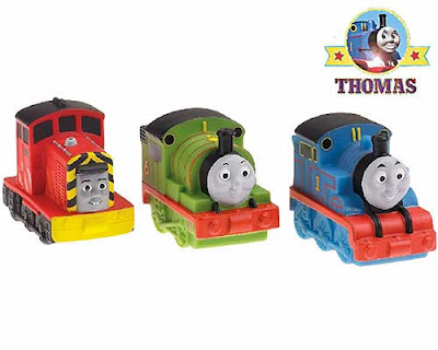 Thomas and friends Percy the train and dockyard diesel Salty fun water preschool bathtub squirters
