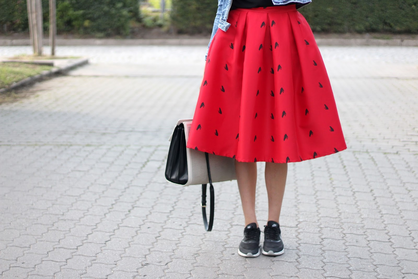 red midi skirt by Romwe on www.quitealooker.com