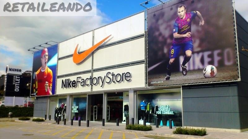 Retaileando nike factory store la roca del vall s for La roca barcelona