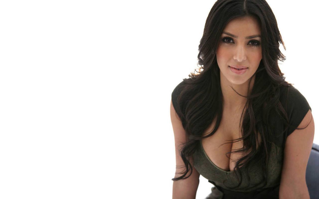 http://4.bp.blogspot.com/-adeqyrG2lAo/T52CrUe1ItI/AAAAAAAAAwA/7tTbEpwGxWo/s1600/kim+kardashian+ethnic+history.jpg