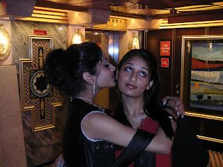 kissing indian girls