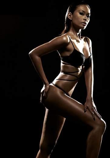 Foto Telanjang Hot Seksi Endhita Majalah FHM MAXIM - www.iniunik.web.id