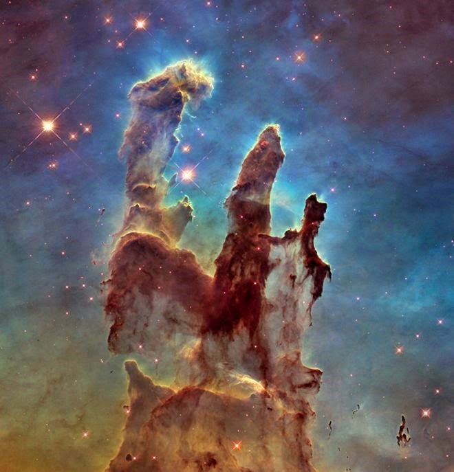 """Hubble comemora 25º aniversário com nova foto de uma """"velha conhecida"""""""