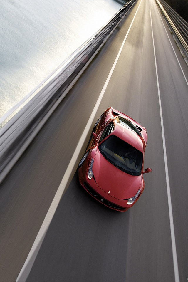 Iphone+4s+Ferrari+458+Italia En Güzel İphone 4s Resimleri
