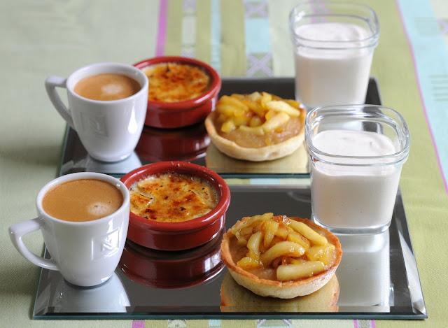 13 desserts chacun caf gourmand d clinaisons autour de la pomme. Black Bedroom Furniture Sets. Home Design Ideas