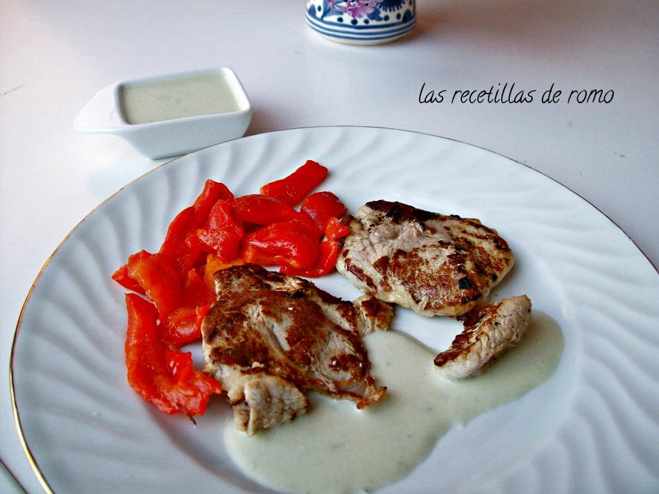 Filetes de solomillo con salsa roquefort las recetillas for Salsa para solomillo
