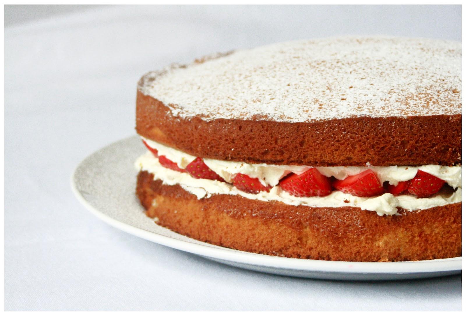 corbin s victoria sandwich strawberry sponge pudding chocolate sponge ...