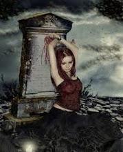 Muertos no son aquellos que descansan en una tumba fria,