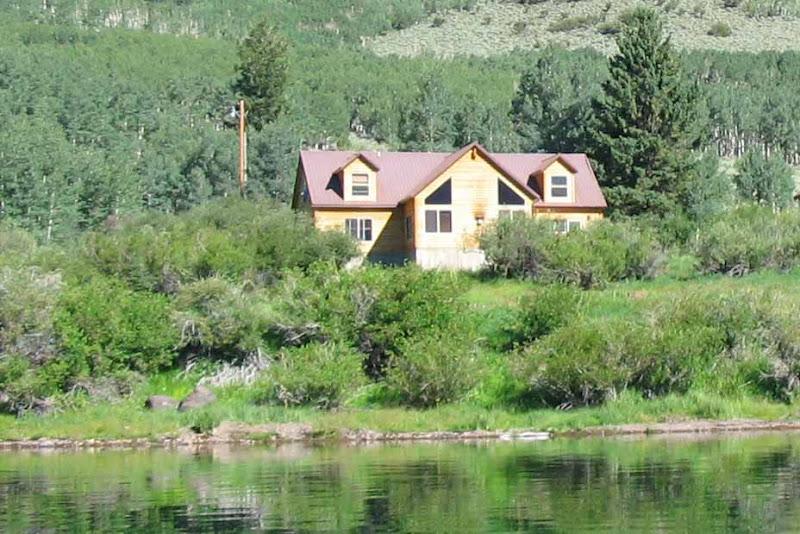 Rental cabins at fish lake utah moose hollow 18 person for Fish lake cabin
