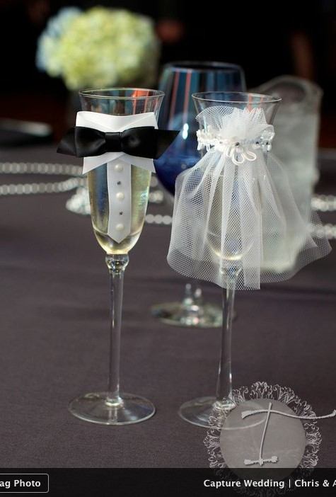 Do it yourself weddings his and her toasting flutes his and her toasting flutes solutioingenieria Image collections