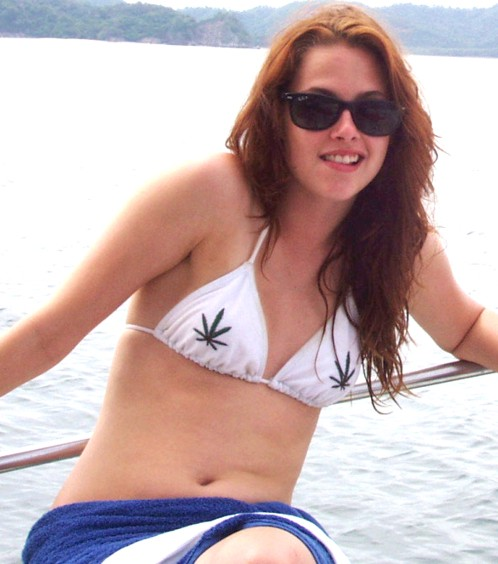 Hollywood Twilight top celebrity Kristen Stewart in bikini