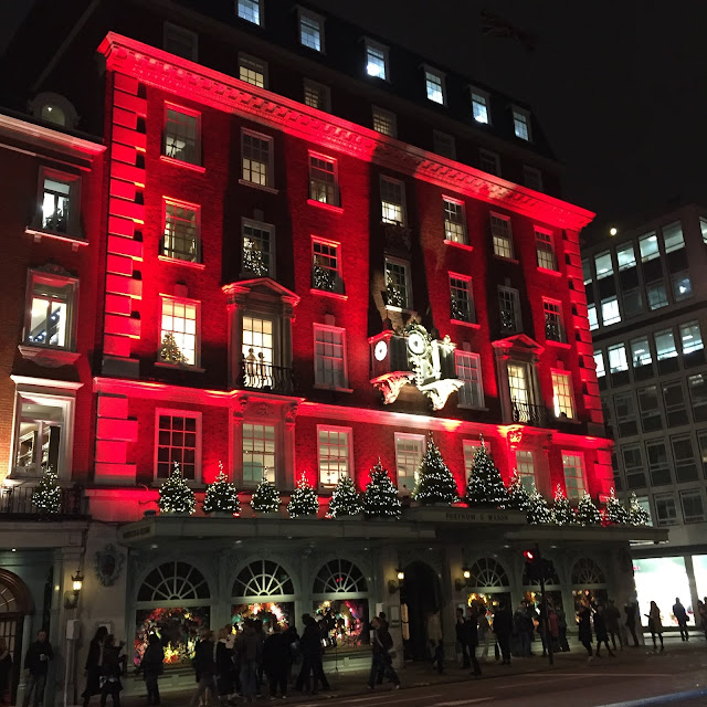 Instagram Sunday Catch Up Christmas London Fortnum and Mason Decorations