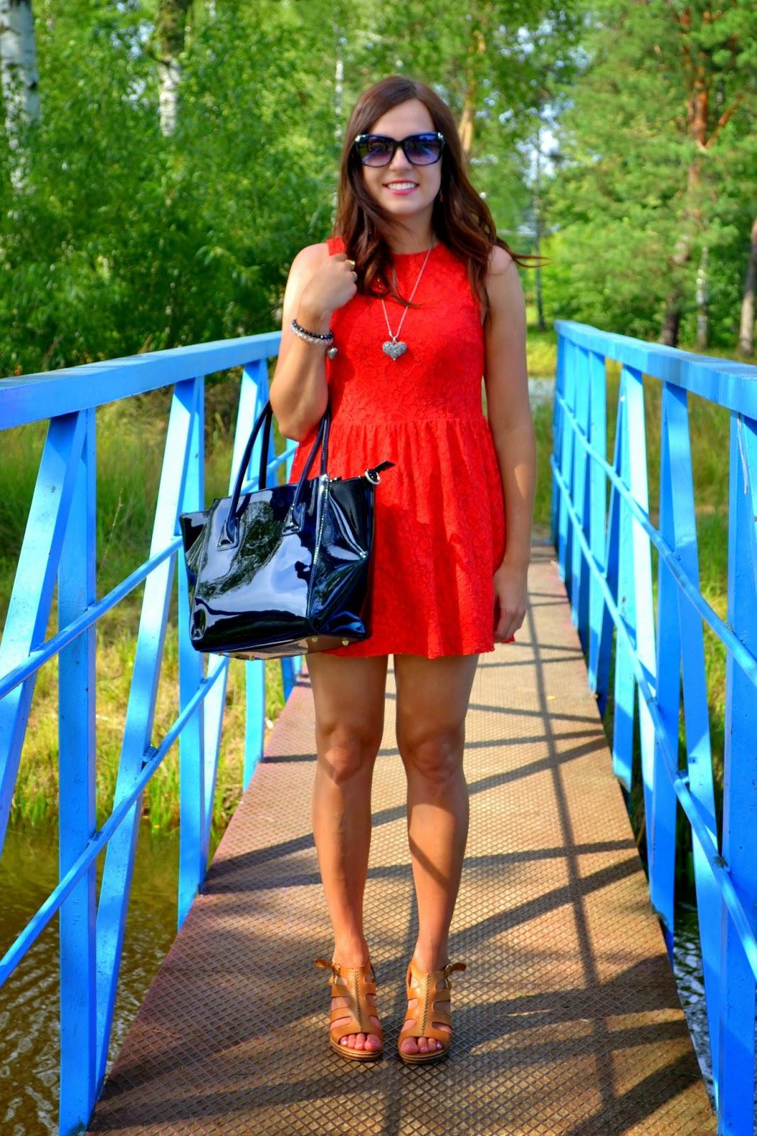 czerwona sukienka, koronkowa sukienka, seksowne sukienki