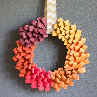 Make a beautiful fall wreath from PAPER!