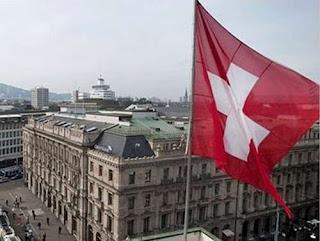 «Έλληνες πολιτικοί με καταθέσεις σε ελβετικές τράπεζες»