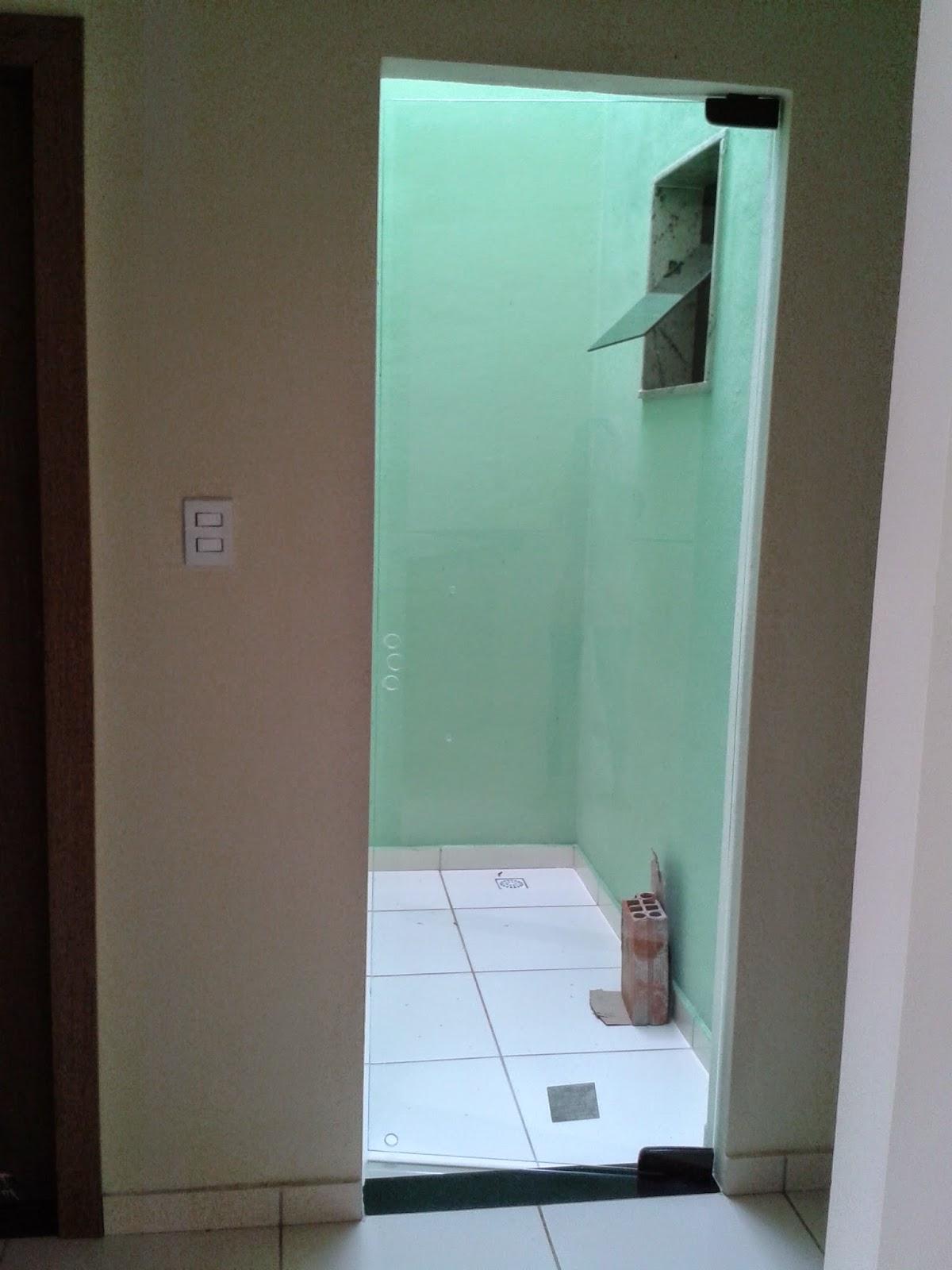#3A6891 acabamento das janelas dos banheiros e da janela da cozinha  316 Janelas De Vidro Temperado Em Juiz De Fora