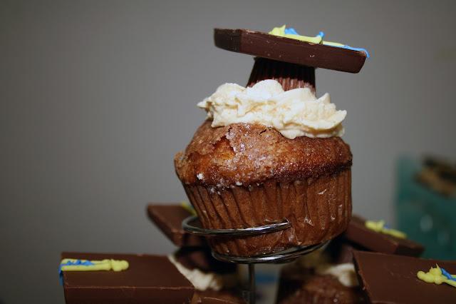 Graduation Theme Cupcakes