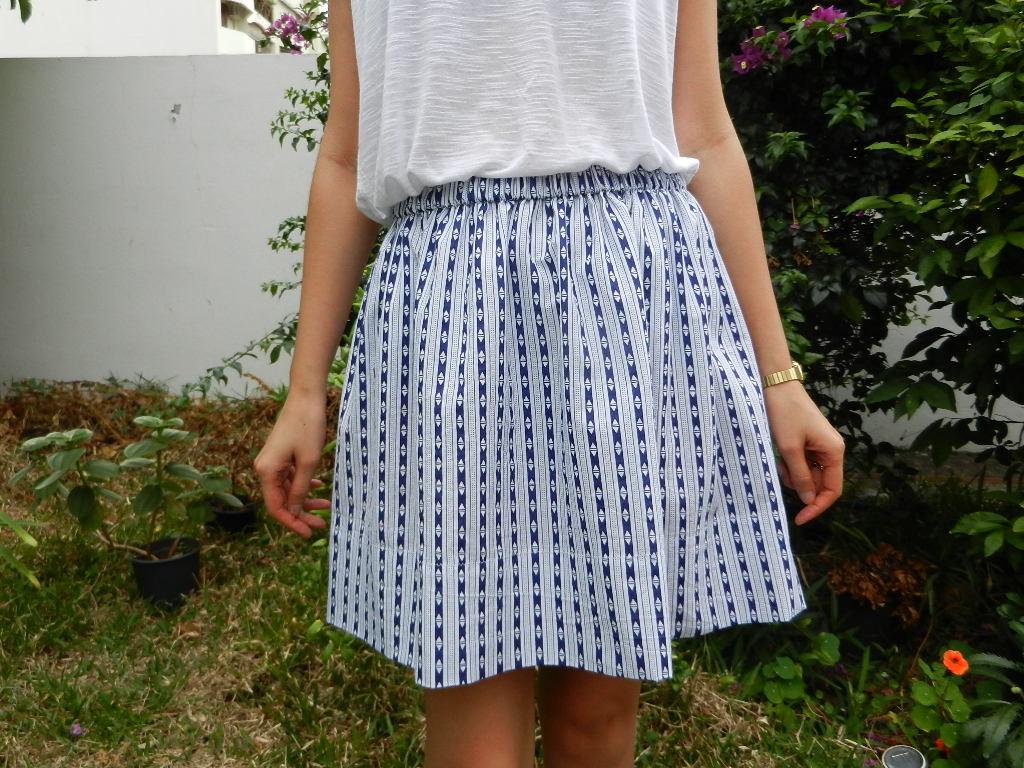 Petite nana diy jupe fronc e taille lastiqu e - Patron jupe elastique fille ...
