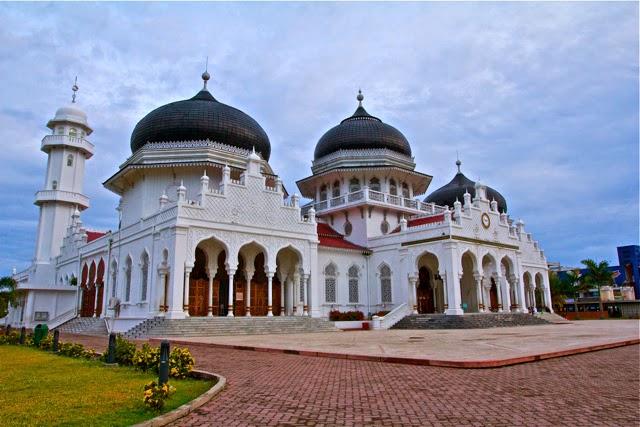 Wisata Religi Masjid Raya Baiturrahman Banda Aceh
