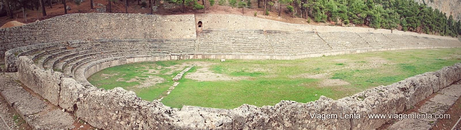 Delfos, Grécia e o impressionante sítio arqueológico