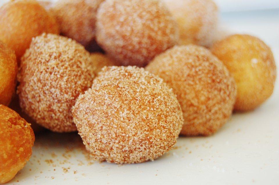 Cinnamon Maple Donut Holes