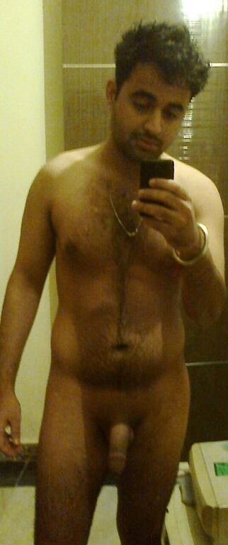 Desi Gay Desires: De-Selfie Naked 8