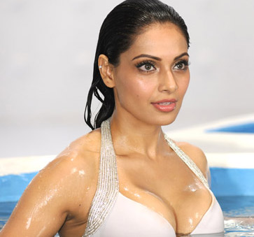 Bipasha Basu From Movie Raaz