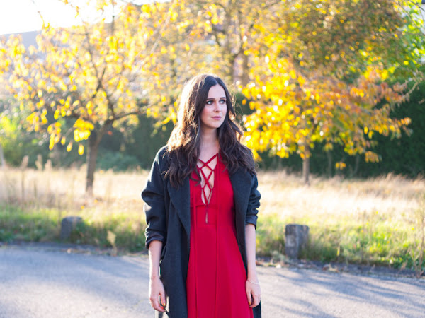Outfit: date night in red lace up dress
