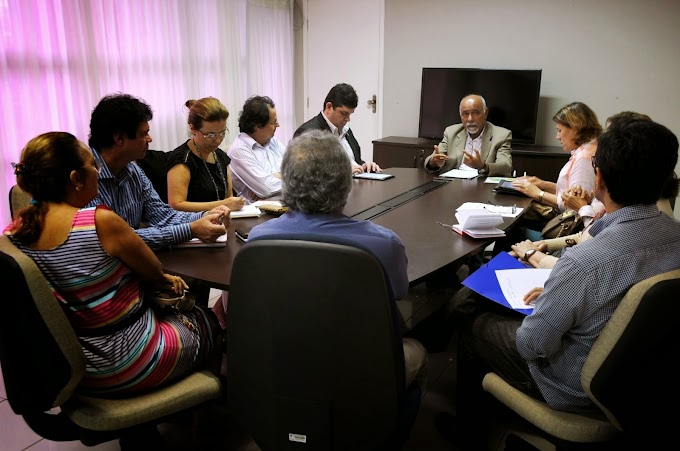 Secretaria da Educação do RN reúne universidades públicas para tratar da alfabetização de jovens e adultos