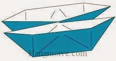 Bước 9: Mở hai cạnh tờ giấy ra để hoàn thành cách xếp thuyền đôi bằng giấy.