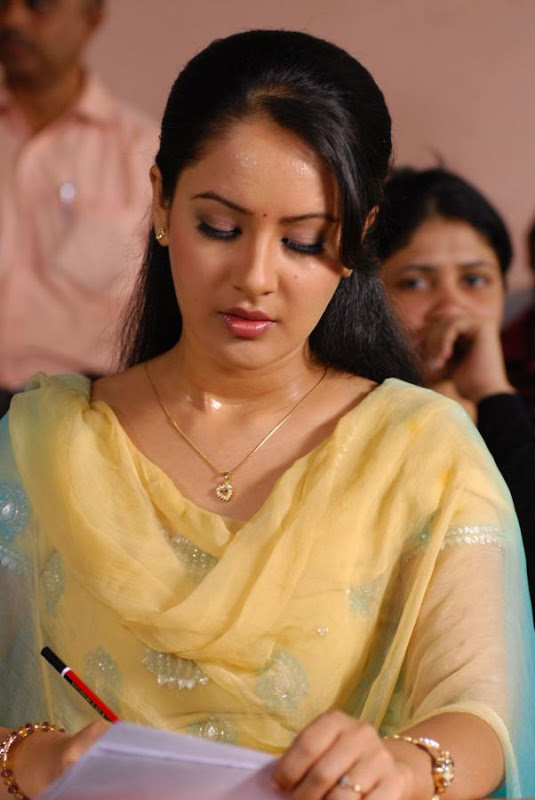 Pooja Bose  Star Plus and Telugu Film Actress Latest Hot Stills Photos navel show