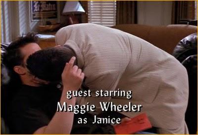 Porque Ross es un buen amigo, ayuda al trabajo de Joey