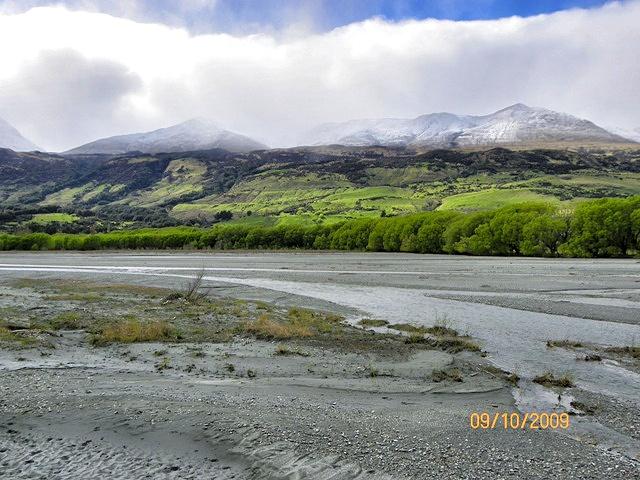 Cruzando ríos en la Excursión a Isengard