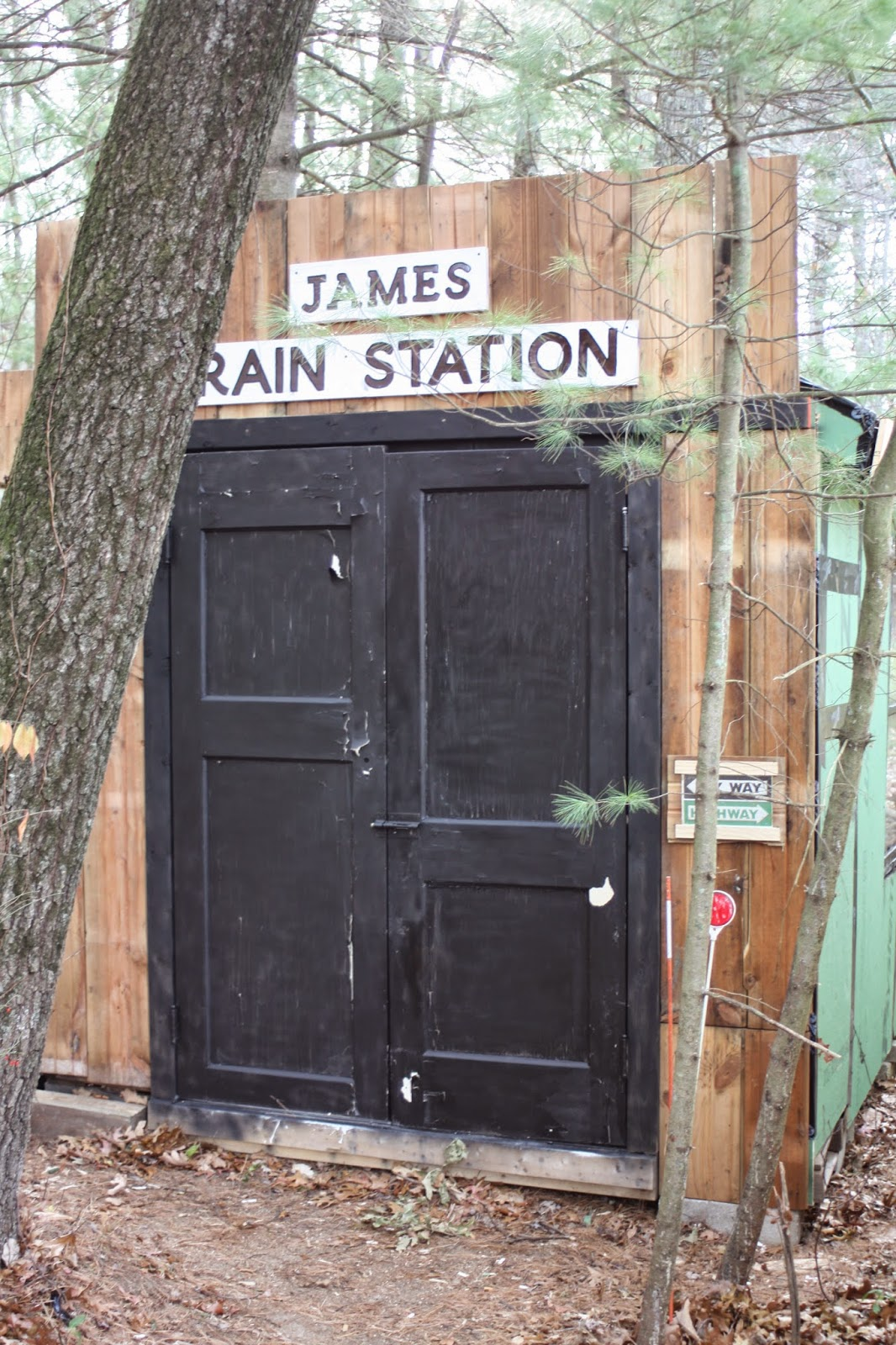 DIY backyard playhouse shed salvage wood recycle