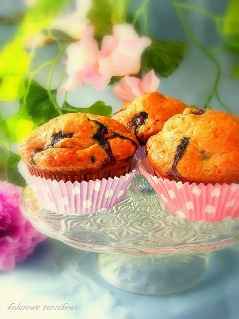 Muffinki z musem jabłkowym i borówkami