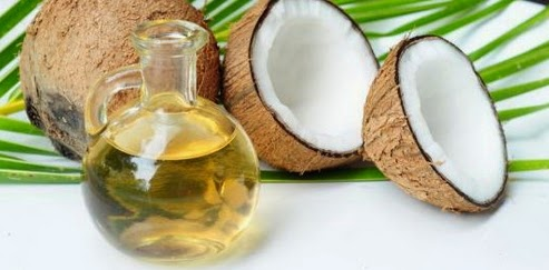 Cara menenbalkan bulu mata dan alis dengan minyak kelapa