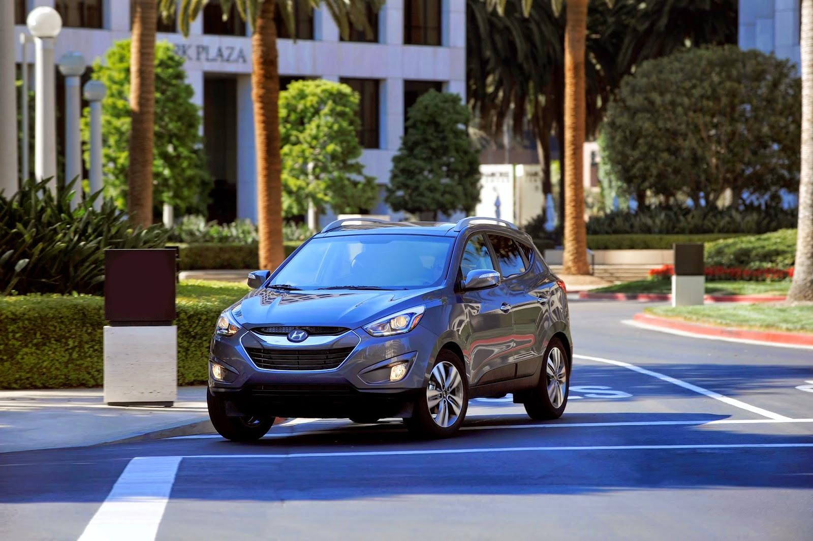 2014 Hyundai Tucson front 3/4 view